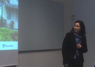 Viveka Larsson, plan- och exploateringschef, berättar om kommunens planarbete.
